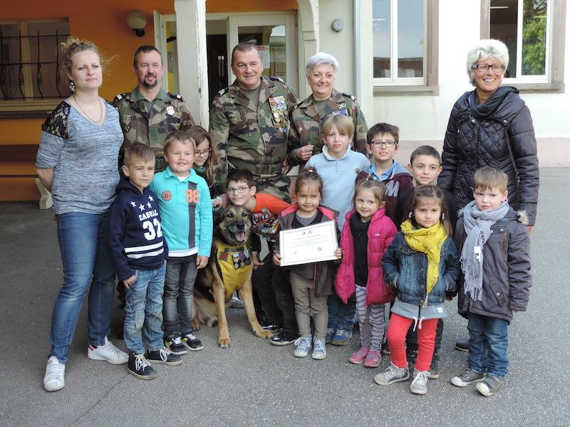 Diplômes Solidarité Défense pour une vingtaine d'enfants du périscolaire de Raedersheim